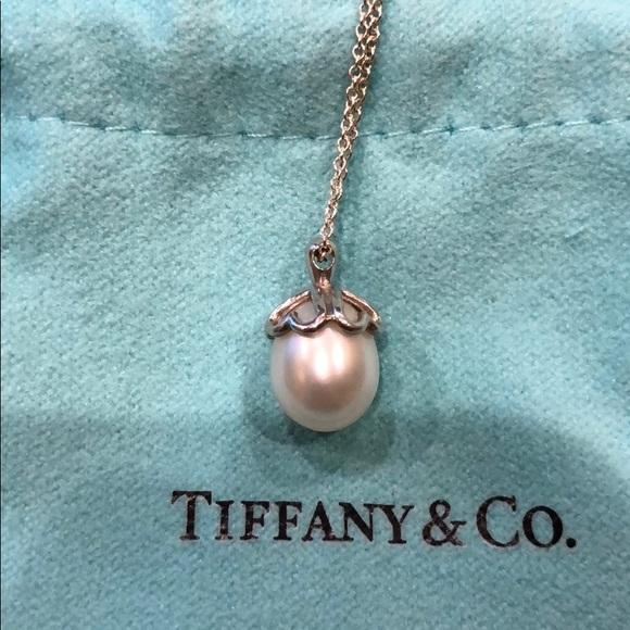 d3c79da28 Tiffany & Co. Jewelry   Tiffanyco Silver Heart Cap Pearl Pendant ...